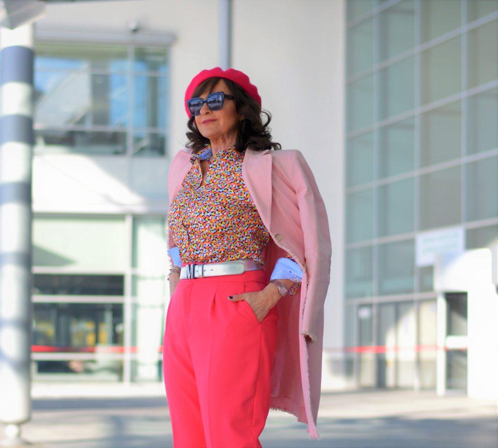 Stoffhose in pink mit Mantel