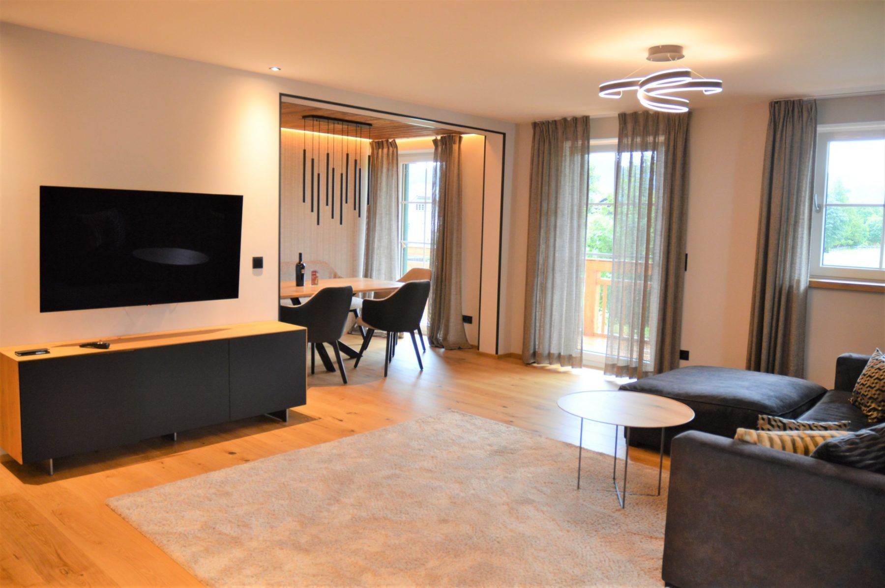 Luxery Apartments R6